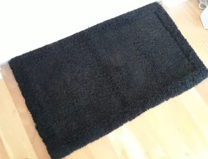 Hand knotted alpaca fibre mat 110cm x 70cm